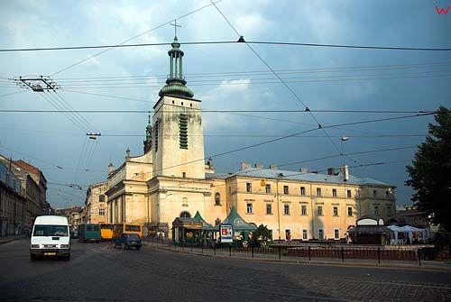 Lwów. Plac Mytna z widokiem na kościół Niepokalanego Poczęcia NMP (klarysek).