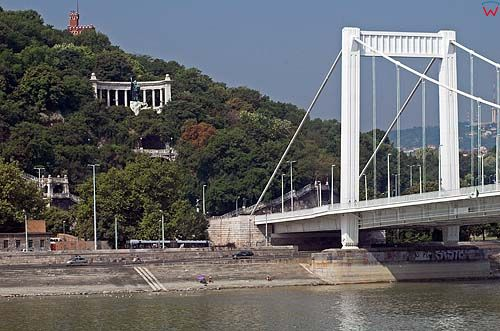 Budapeszt, most Elżbiety, statua Gellerta